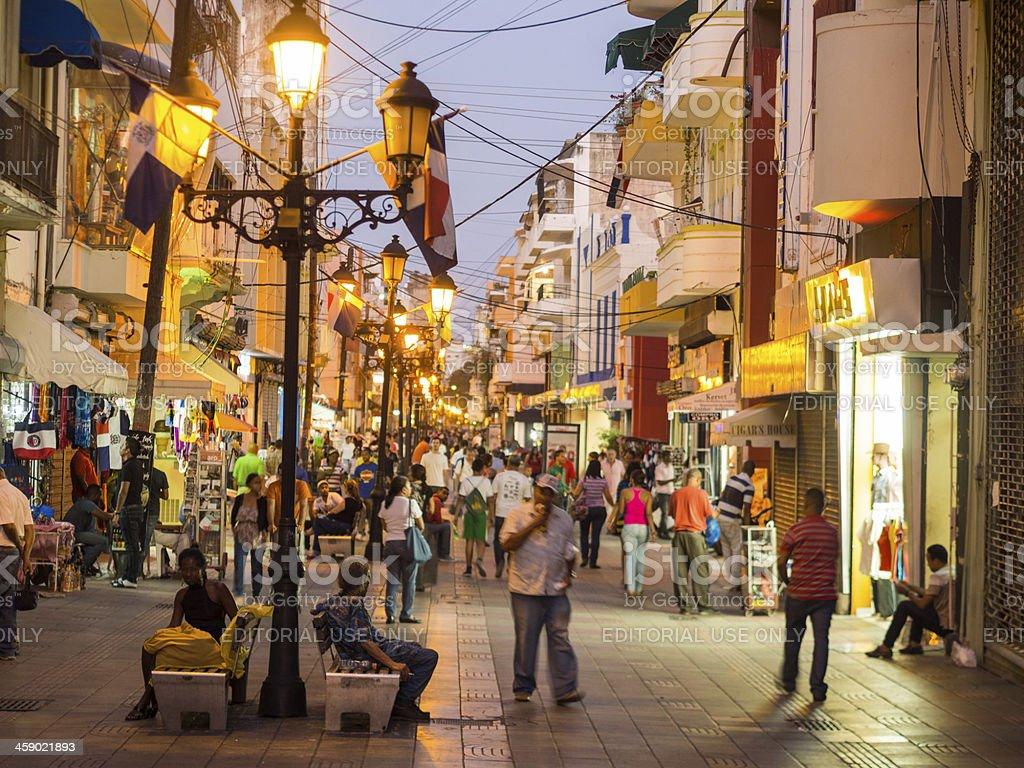 Dominikanska republika Pedestrian-street-santo-domingo-dominican-republic-picture-id459021893