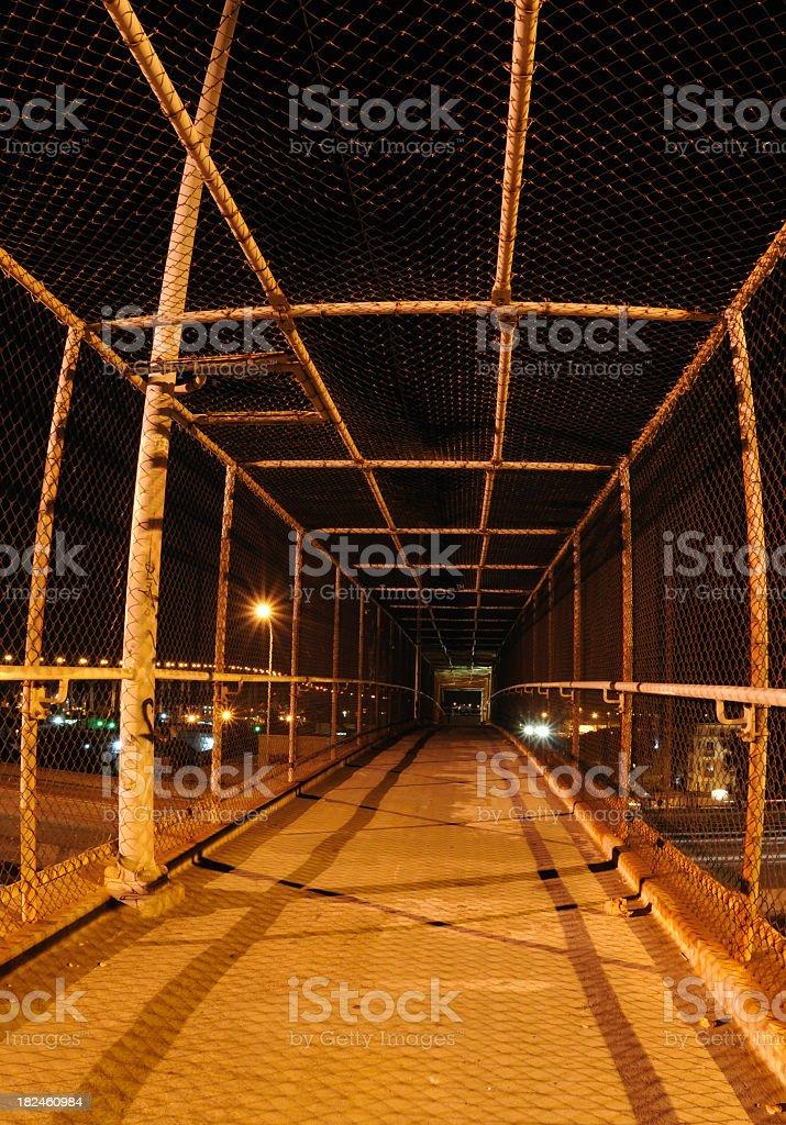 Paso peatonal en la noche foto de stock libre de derechos