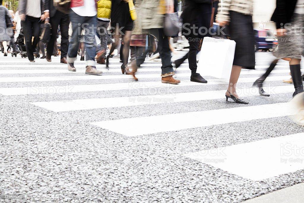 Fußgänger in der Stadt – Foto