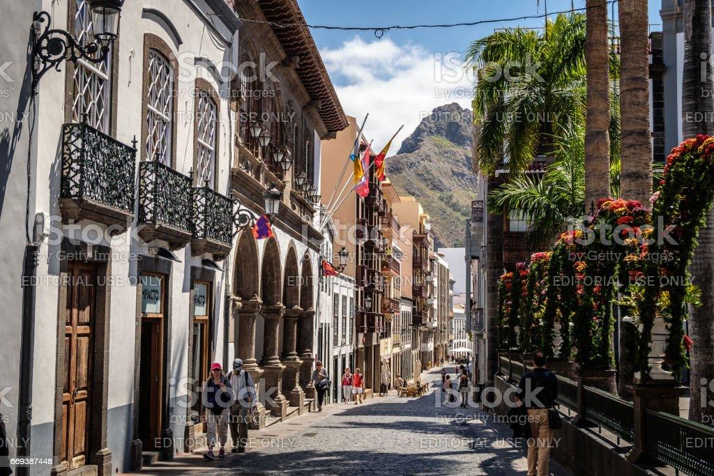 Fußgänger Auf Calle Anselmo Pérez De Brito Santa Cruz De La Palma