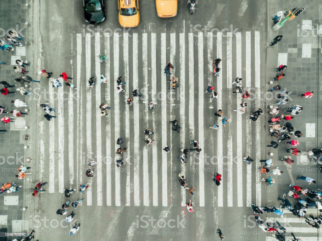 Fußgänger am Zebrastreifen, New York City - Lizenzfrei Ansicht von oben Stock-Foto