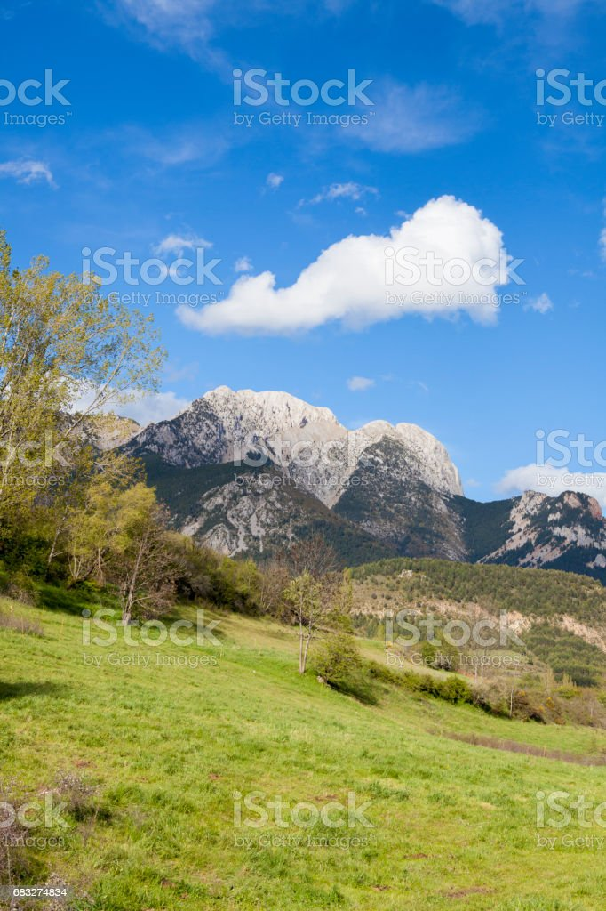 Pedraforca rear view foto de stock royalty-free