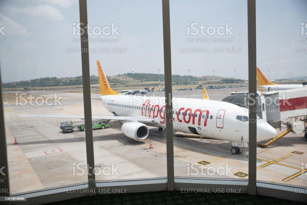 Izmir Adnan Menderes Havalimanı Pegasus Airlines uçak stok fotoğrafı