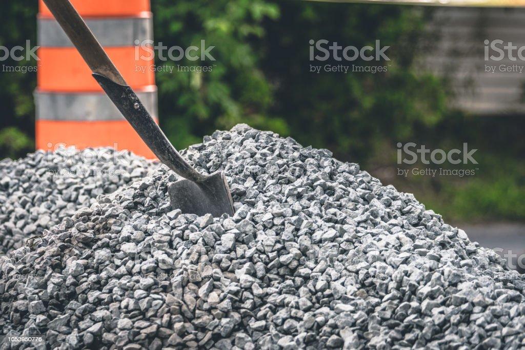 Pelle dans la roche - Photo