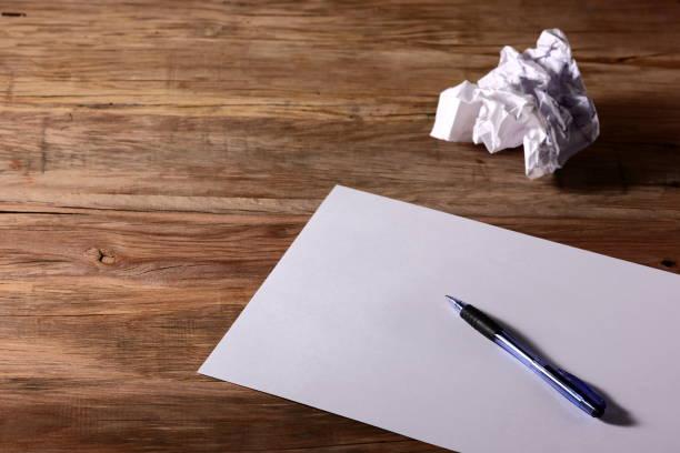 紙に書くペン ストックフォト