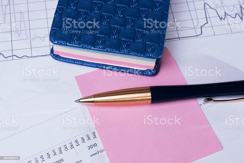 Pen lying on financial statements. Business Background royaltyfri bildbanksbilder