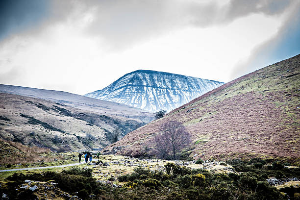 Pen Y Fan mountain, brecon beacons Pen Y Fan mountain, Brecon Beacons brecon beacons stock pictures, royalty-free photos & images
