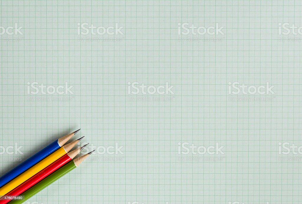 Ołówki na Papier milimetrowy – zdjęcie