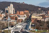 istock Penn Street Bridge: Reading, Pennsylvania 1197024240