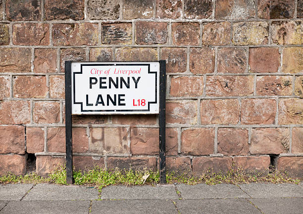 penny lane straßenschild in liverpool - straßenschild stock-fotos und bilder