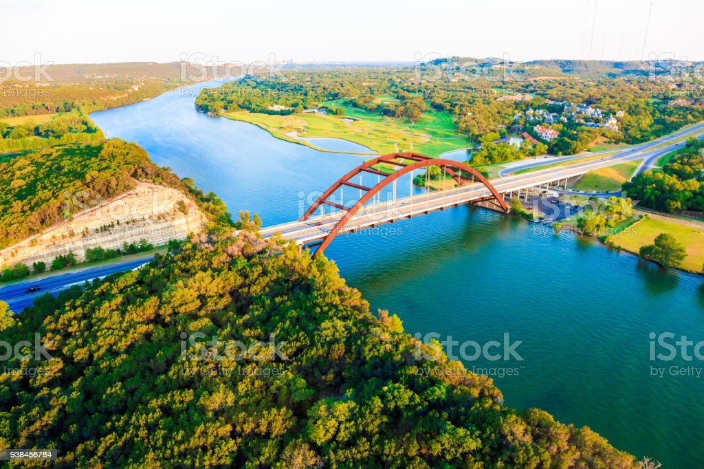 Pennybacker 360 bridge, der Colorado River, Austin, Texas, Luftbild panorama – Foto