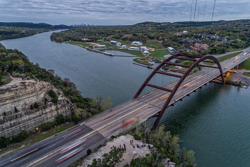 Pennybacker Bridge In Austin Texas - zdjęcia stockowe i więcej obrazów Ameryka Północna