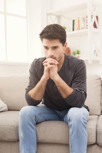 Notre jeunesse qui se suicide  Pensive-young-man-at-home-picture-id938486142?k=6&m=938486142&s=612x612&w=0&h=U0zrLzkRb9k4yM_EE3NW8C0Vp_yjlADosNT3or2xmDg=