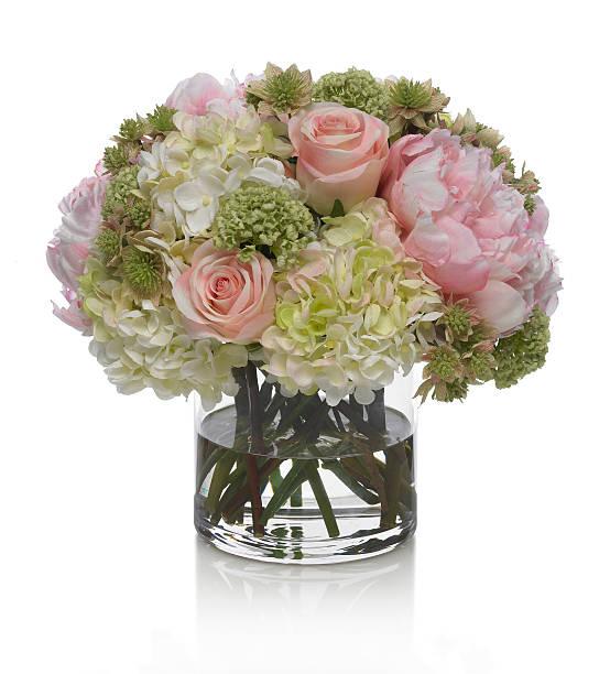 Pivoine, Hortensia et bouquet de roses sur fond blanc - Photo