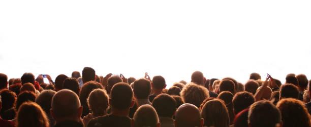 Personen und der anpassungsfähige weiße Hintergrund während einer Veranstaltung – Foto
