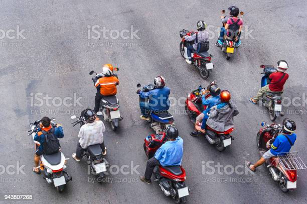 People are on motorbikes in huge asian city picture id943807268?b=1&k=6&m=943807268&s=612x612&h=drq 2wm1lrrbzt0wo1ecfpswoepct30wma jrgxyyx0=