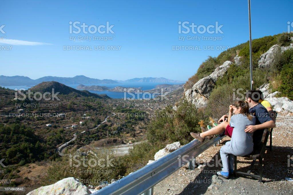 İnsanlar Bozburun muhteşem manzaraya bakıyor. stok fotoğrafı