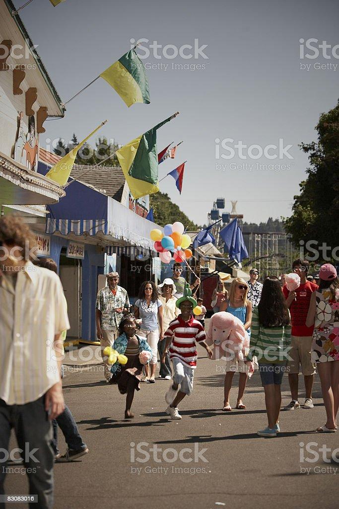 Persone al parco divertimenti foto stock royalty-free