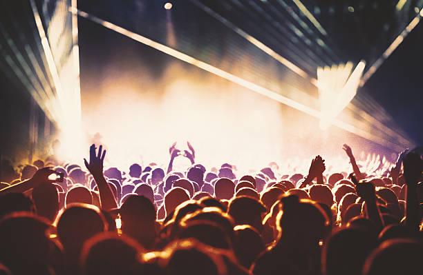 Gens sur le concert événement. - Photo