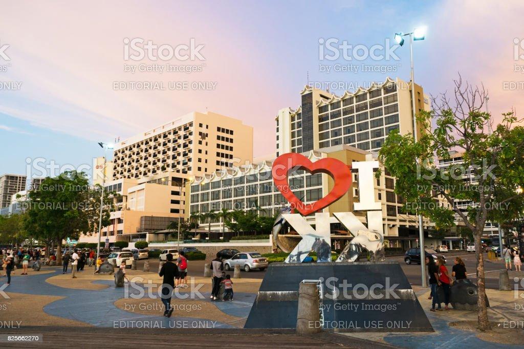 Menschen Am Wasser Stadt Kota Kinabalu Sabah Malaysia Stock