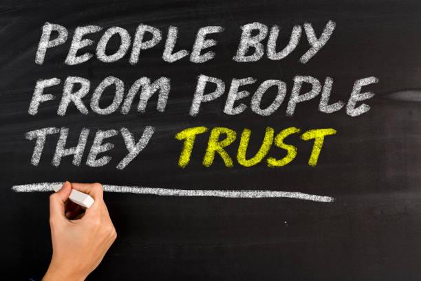 leute kaufen sie vertrauen von menschen - gründe zitate stock-fotos und bilder