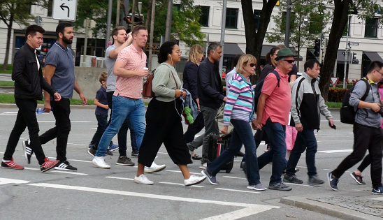 People Crossing Zebra Crossing — стоковые фотографии и другие картинки 2010