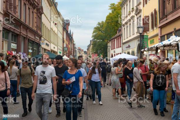 People crowd in the pedestrian zone of the heidelberg old town at the picture id860504804?b=1&k=6&m=860504804&s=612x612&h=qbvoce8fvnbra7h3l4j2pstgrymyntr1 dncevqcu5g=