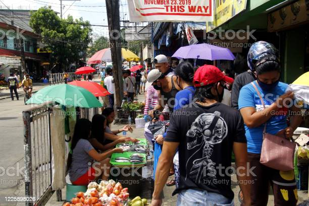 People crowd the street and market after quarantine rules eased up picture id1225898026?b=1&k=6&m=1225898026&s=612x612&h=pdhucm ngq9uey15ecp8qsew fzh5ktmhbvaaim wry=