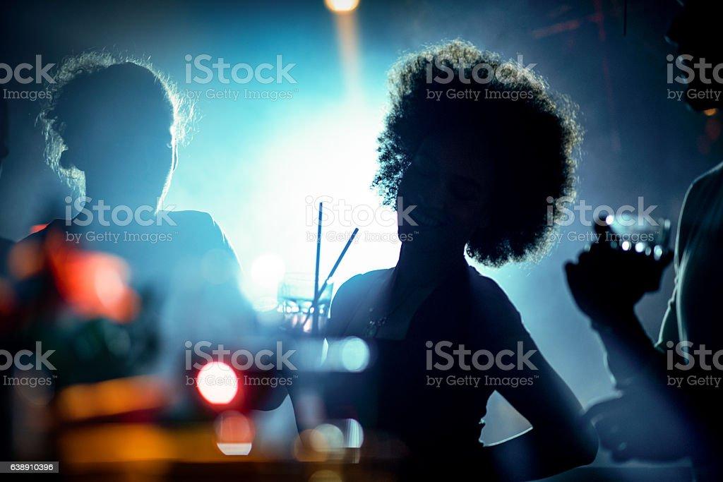 Menschen Tanzen im club – Foto