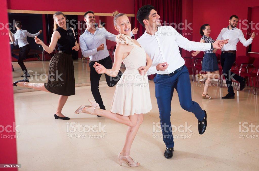 Gens qui dansaient Roll - Photo