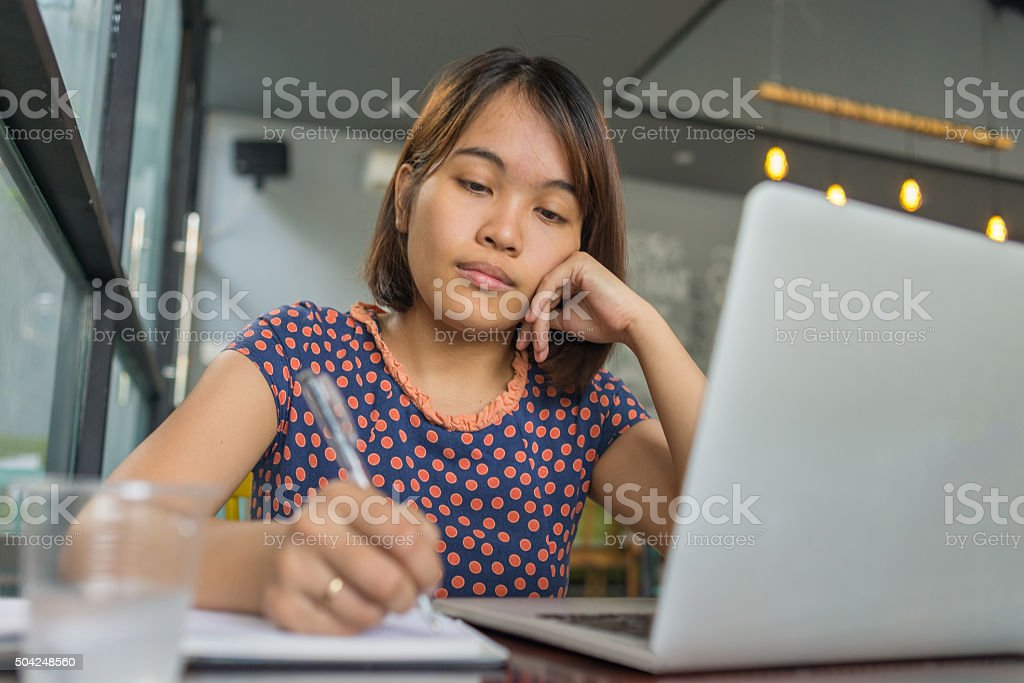 People doing less hand-writing than typing nowadays