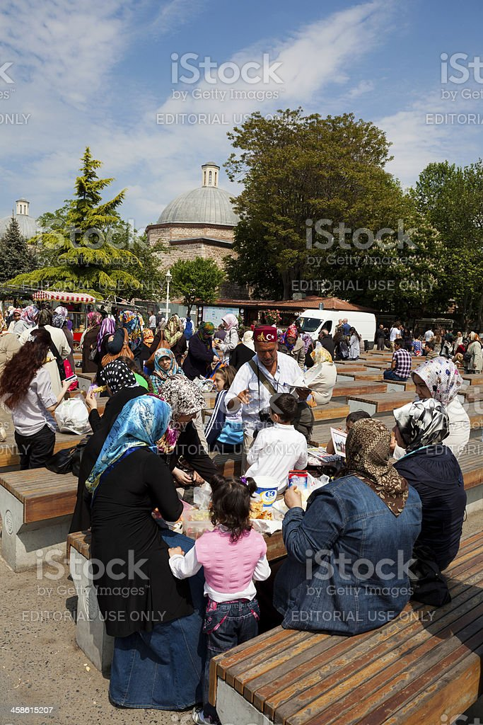 People eat together Sultanahmet, Istanbul royalty-free stock photo