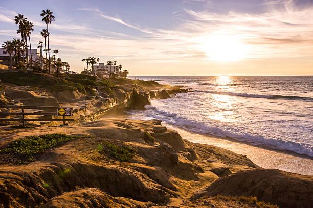 Menschen bei Sonnenuntergang über La Jolla Strand, Kalifornien, VEREINIGTE STAATEN – Foto