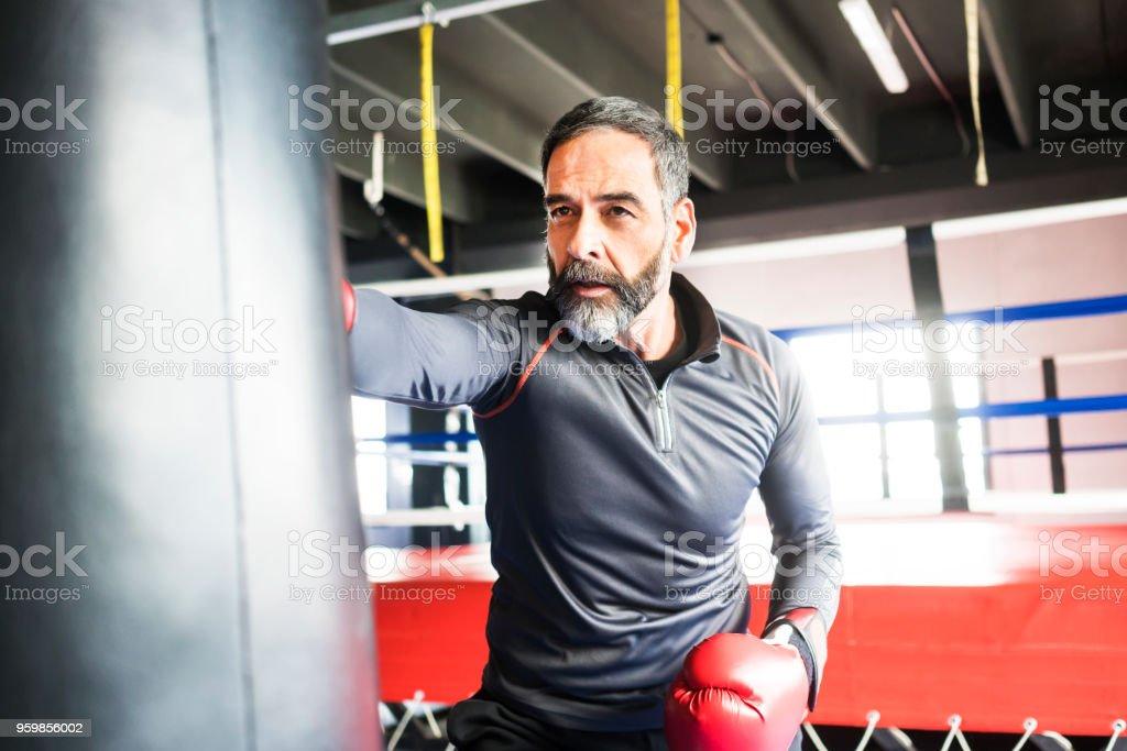 Menschen Training im Fitness-Center – Foto