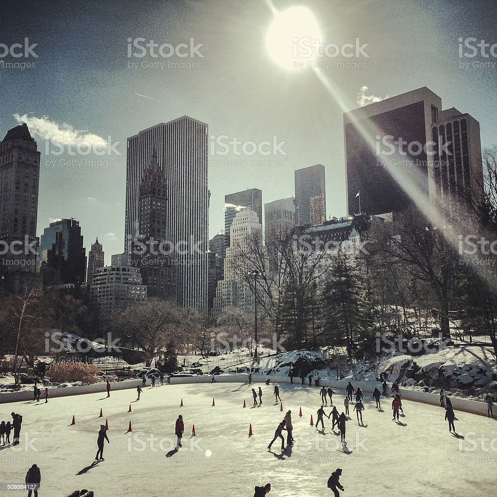Central Park People: People Iceskating In Central Park New York Stock Photo
