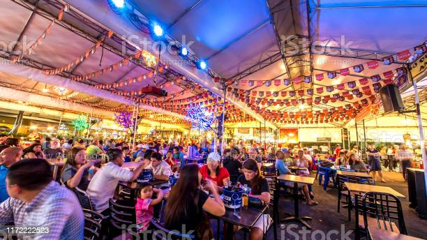People in a crowded food court in manila picture id1172222523?b=1&k=6&m=1172222523&s=612x612&h=sowyt0bx8t1huiw256sktbe pizi6xy5pwd6wijaf8a=