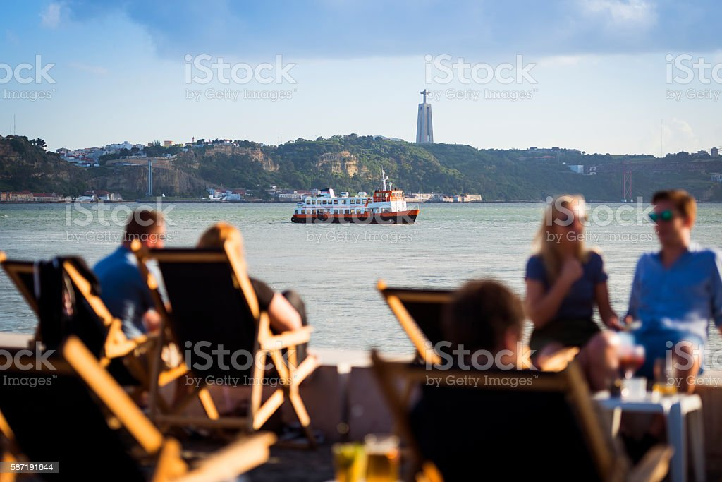 People in a esplanade in Lisbon, Portugal – Foto