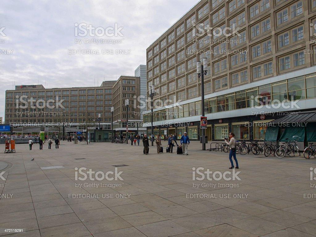 Menschen in der Alexander Platz – Foto