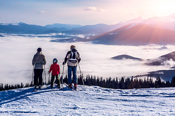 People observing mountain scenery picture id480125398?b=1&k=6&m=480125398&s=612x612&w=0&h=xoinyu6u pqr40  jeiiwopcasyj7vwmb3x0kiun lc=