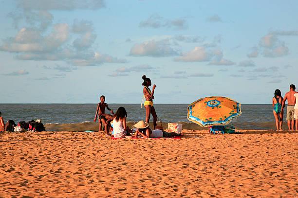 Menschen am Strand, Mahury district, Französisch-Guayana – Foto