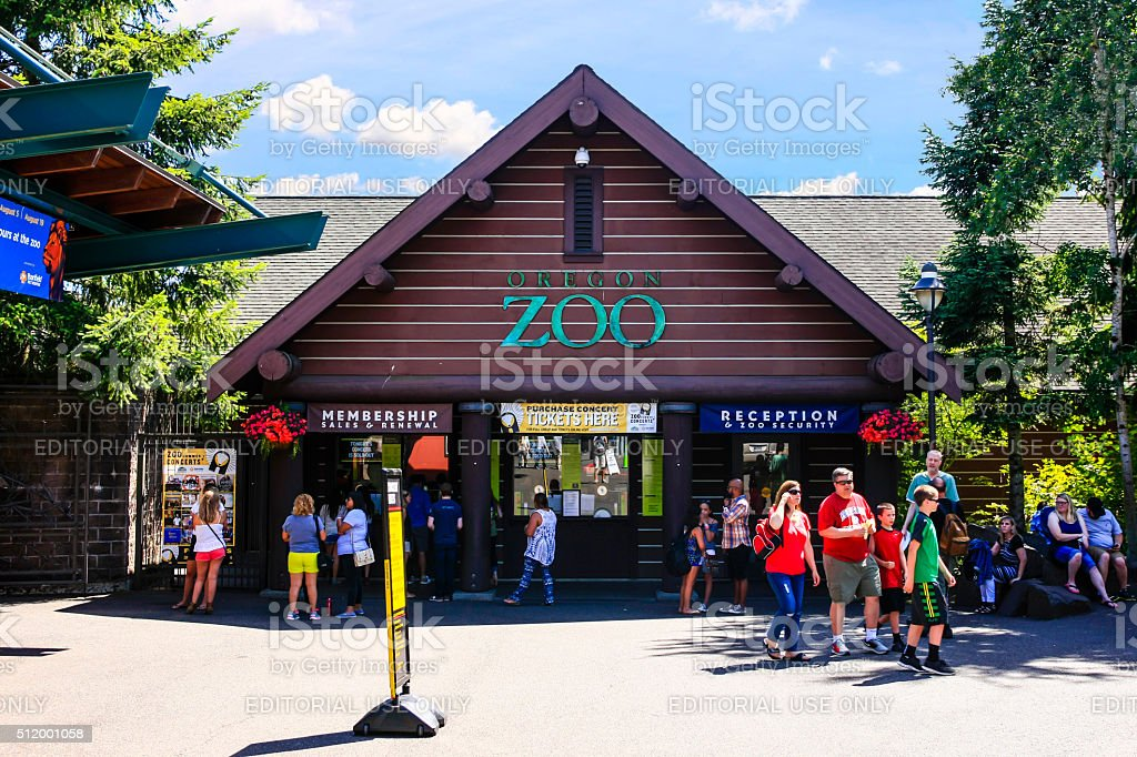 People outside Portland OR Zoo at Washington park stock photo