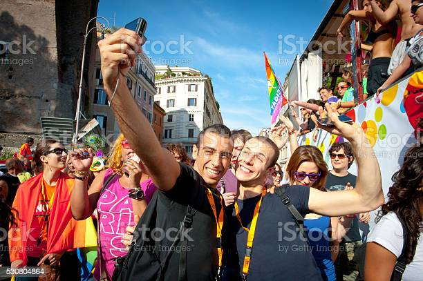 People partecipating at 2011 euro Rome gay pride