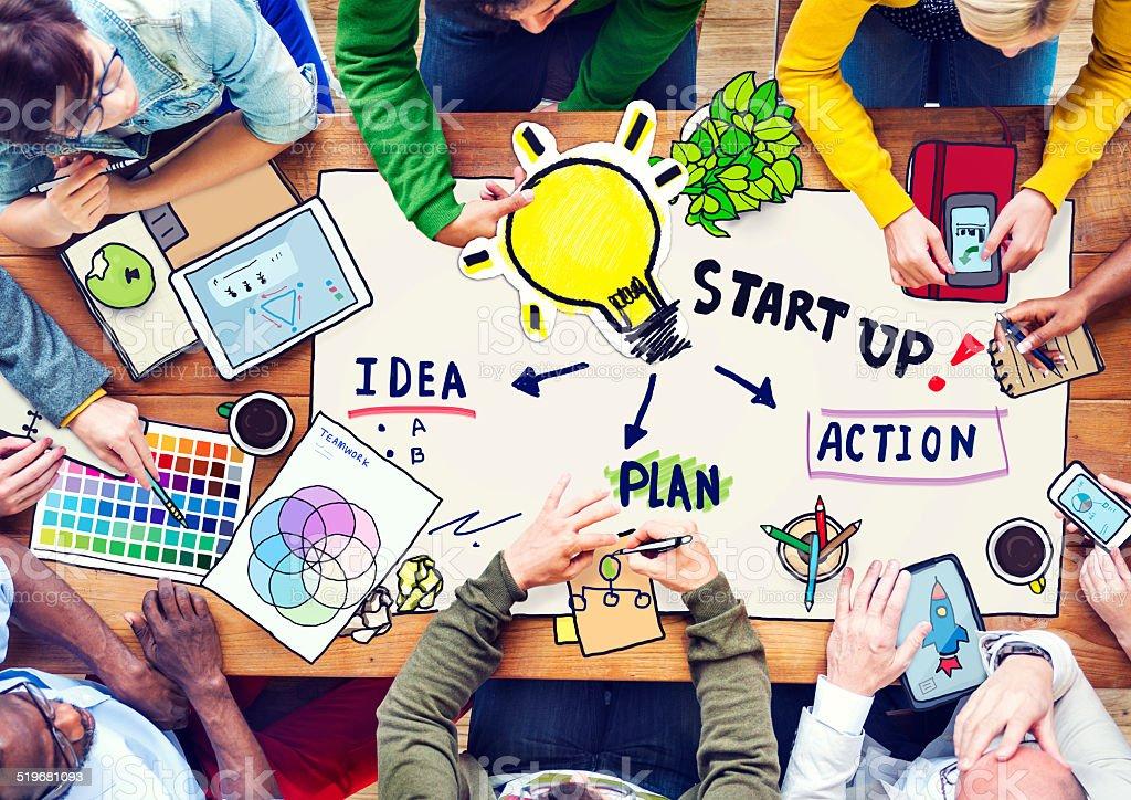 Pessoas planejando uma conferência e conceito de inovação - foto de acervo