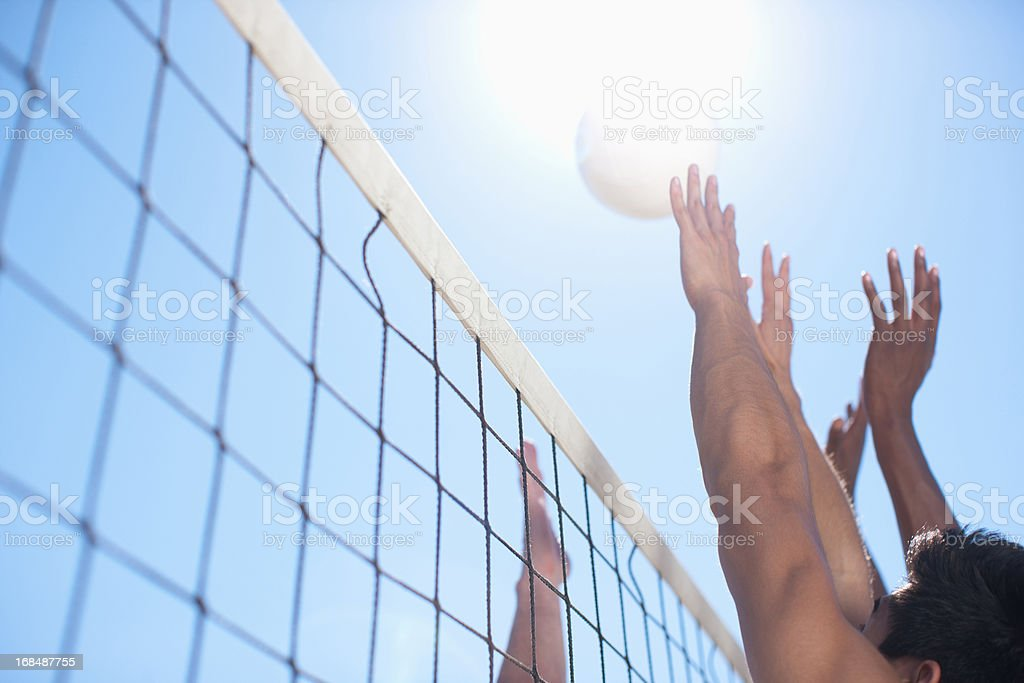Personnes jouant au volley-ball - Photo