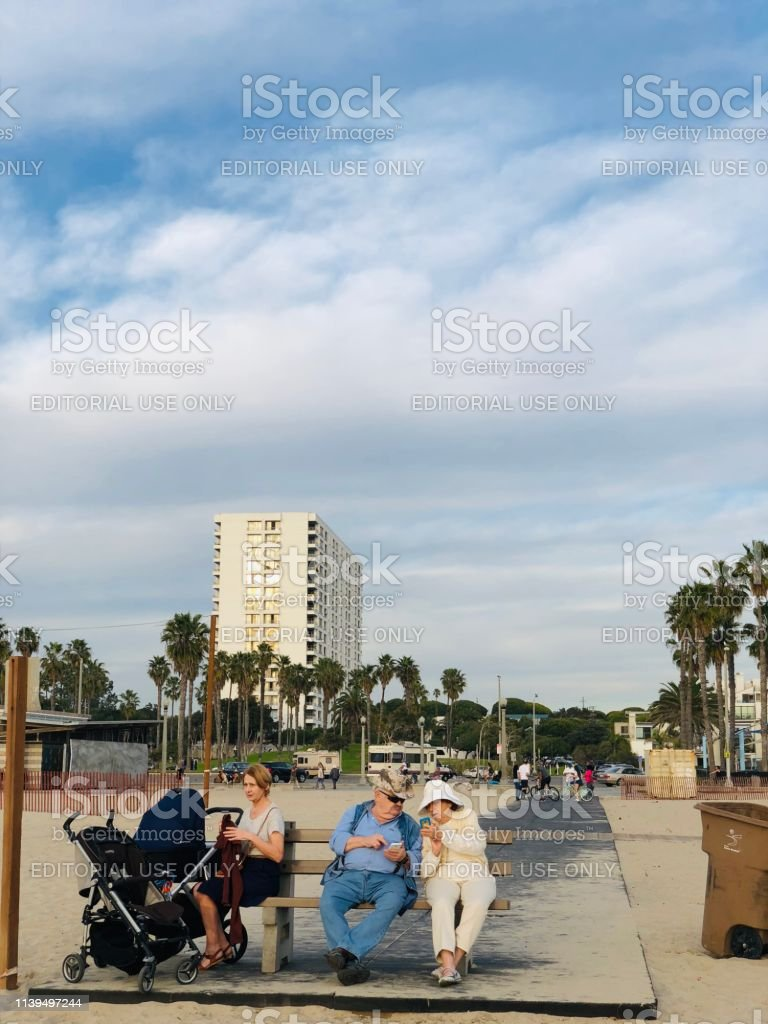 People Relaxing On Santa Monica Beach California Usa Stock Photo & More  Pictures of Active Seniors