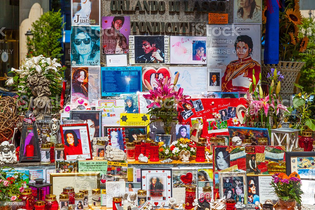people remember Michael Jackson with post cards and personal let stock photo