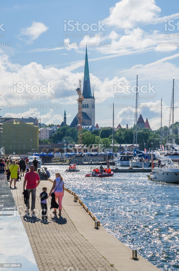 Menschen Ruhe am Meer Tage in Tallinn – Foto