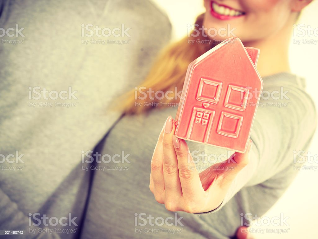 People together with house model. Lizenzfreies stock-foto