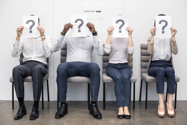 menschen warten auf job-interview-konzept - schwarze schlange stock-fotos und bilder