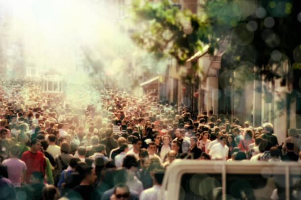människor som gick på fullsatt upptagen stadsgata - istiklal avenue bildbanksfoton och bilder